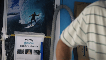 YERAY GARCÍA SURFISTA Y SHAPER EN LANZAROTE